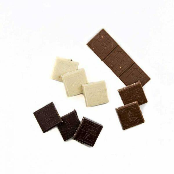 bio hanfschokolade vegan set vollmilch zartbitter weiss offen hanfland oesterreich